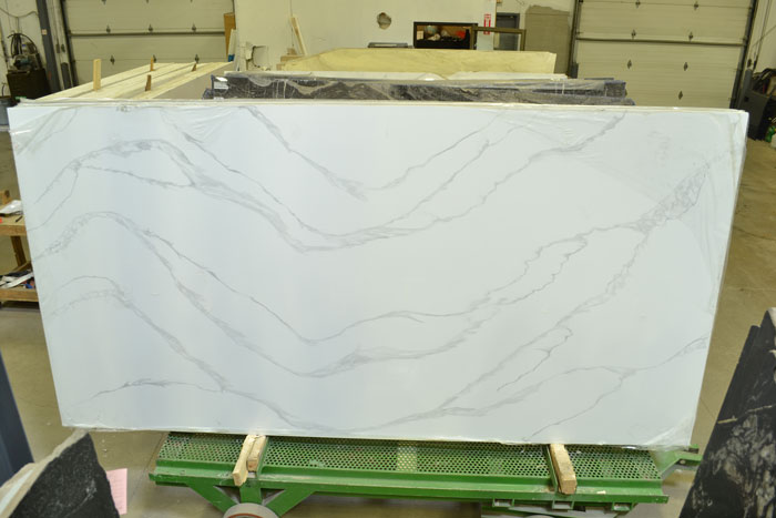 Calacatta Oceana Polished Quartz (EMG)