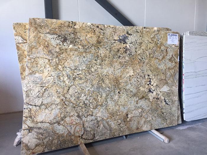 Alaska Gold 3cm Pollshed Granite #190525-O (GLOB)