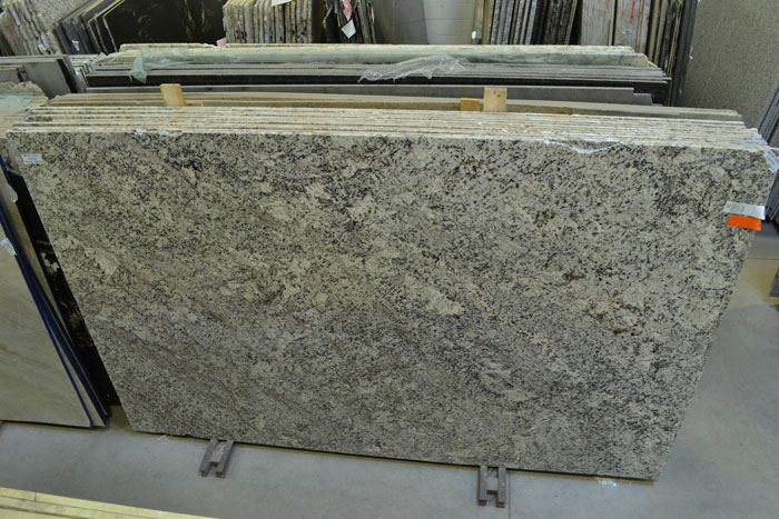 Blue Nile 2cm Pol Granite #160726 (DECO)