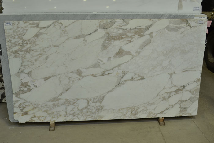 Calacatta 2cm Polished Marble #080306 (TIM)